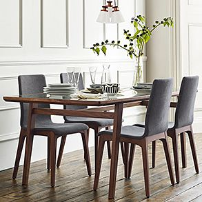 Dining table and table setting