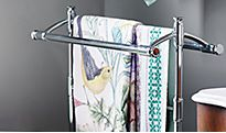 Towel rail with towels