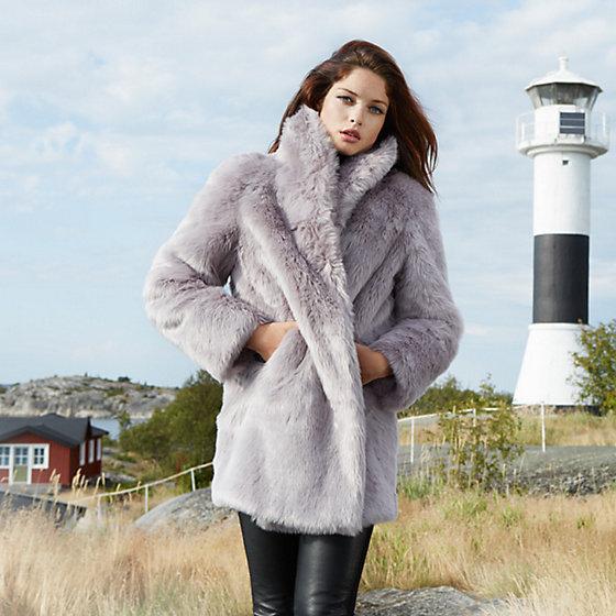 d2222828e07 The faux-fur coat